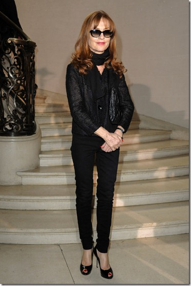 Christian Dior Front Row Paris Fashion Week Em3smpdRhzdl