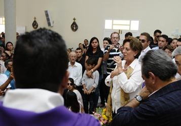 Governadora participa do Velrio de Agostinho Fernandes - Elisa Elsie (3)