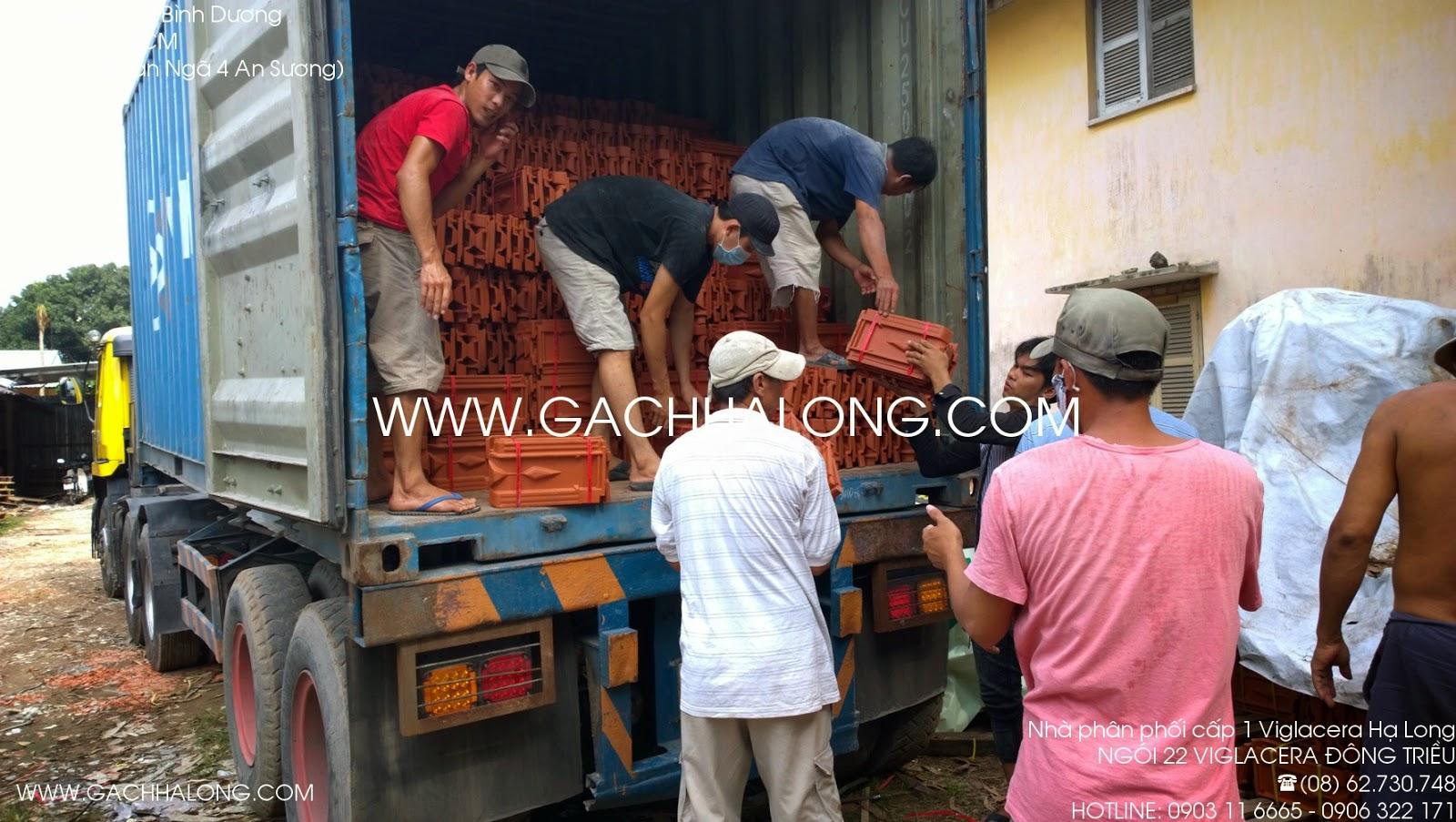 Xuống hàng ngói 22 Đông Triều tại kho Tăng Bình Dương