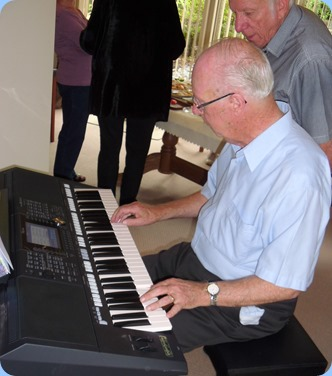 Peter Brophy playing his brand new Yamaha PSR-S950