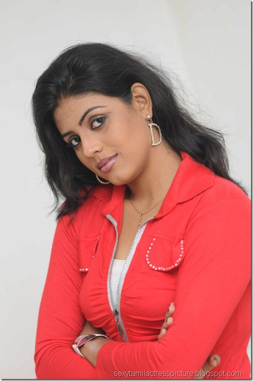 Actress_Iniya_Hot_Photo_Shoot_Stills_02