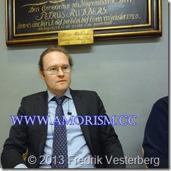 DSC07144 (1) Bättrad Fredrik Vesterberg ordförande på Bibelsamtal i Adolf Fredriks församling