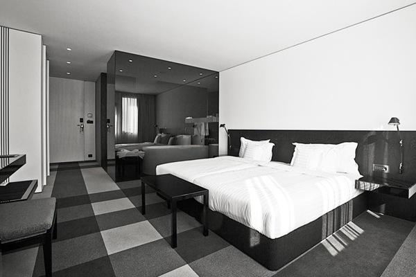 hotel graffit dise o minimalista studio mode bulgaria