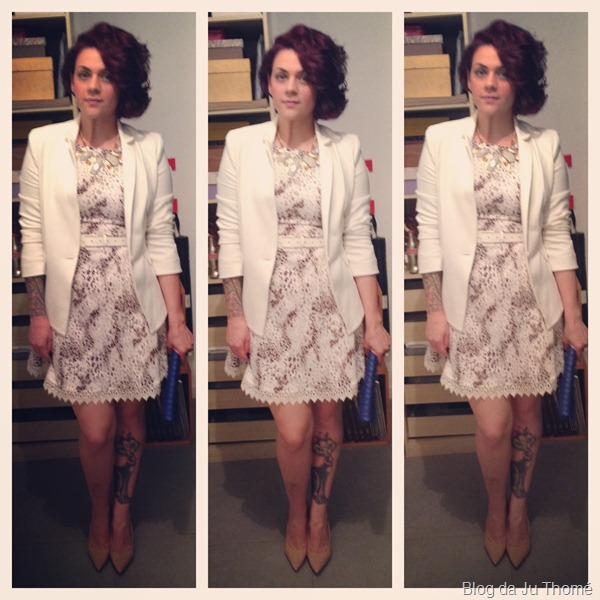 look vestido onça lady like, blazer branco e sapato nude (1)