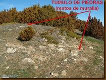 Túmulo de piedras en la posible entrada al castro de Santa Ágata