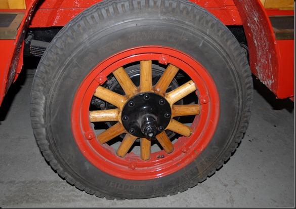 mikkihiiri palo-auto 015
