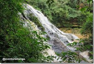 Vista lateral da cachoeira de D. Luzia, Riachão - MA