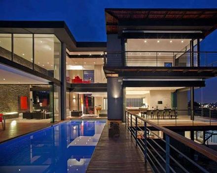 piscina-cubierta-casa-moderna
