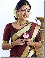 nithya menon in saree