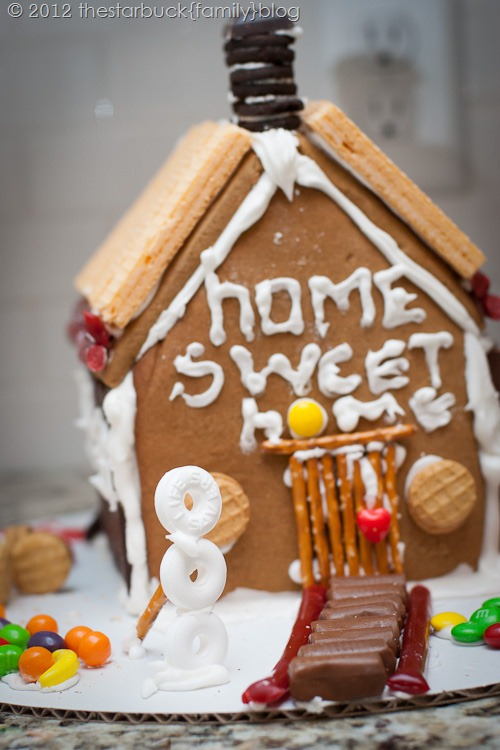 Gingerbread Houses 2012 blog-22
