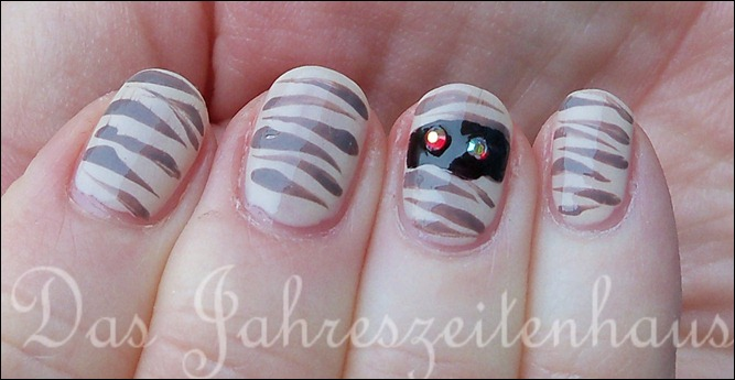 Halloween Nails Mumie 2