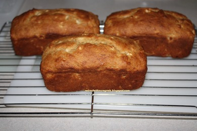 Banana Apple Bread - Cooling it B