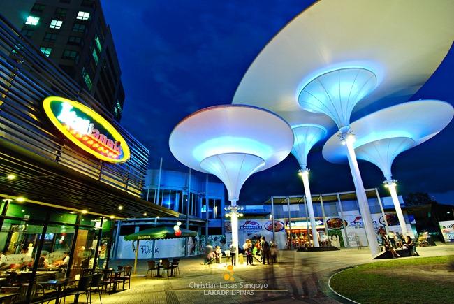 Centris Walk, Quezon City