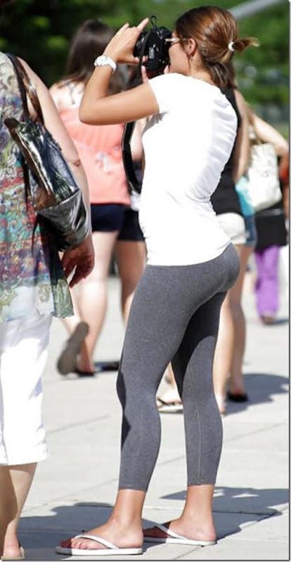yoga-pants-pics-8