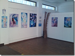 Expozitie de picturi inspirate din poeziile lui Mihai Eminescu de Corina Chirila si sculptura de Mihai Boroiu la galeria AAP din Herastrau