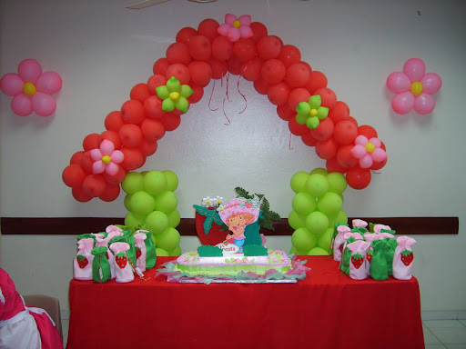 s5001311 jpg decoracion cumple rosita fresita creaciones de clarymar ...