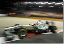 Schumacher sul circuito di Singapore