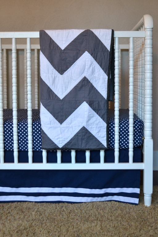 Grey and white chevron quilt from Sew Midwestern
