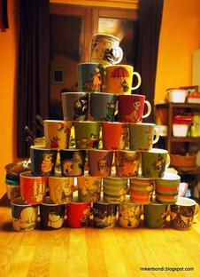 Moomin mug pyramid (1)