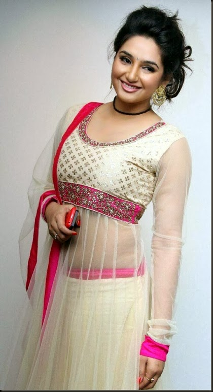 ragini_dwivedi_cute_photo