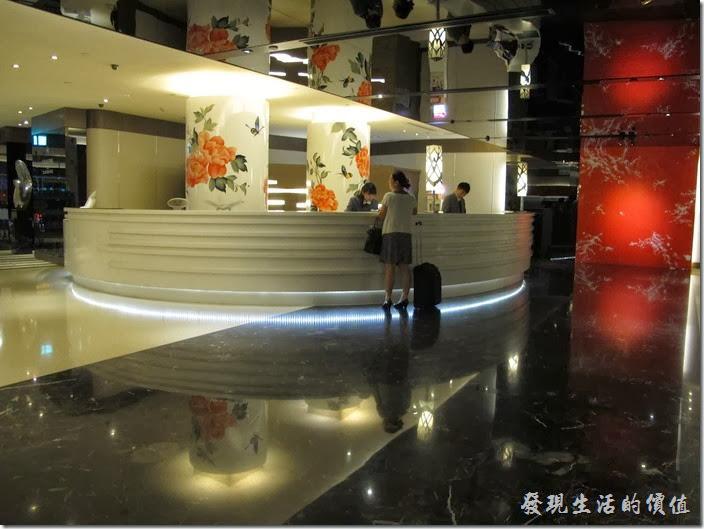 台北凱薩大飯店。接待大廳