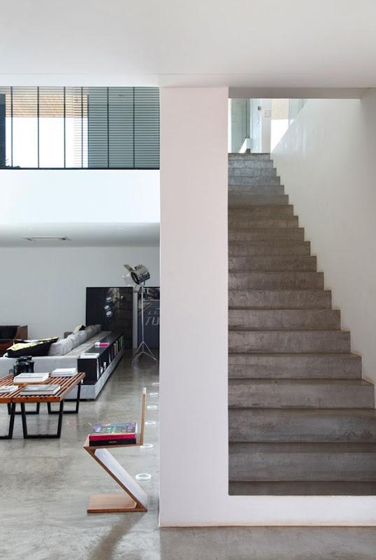 LA house by studio guilherme torres 6