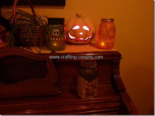 Halloween Luminaries from a Mason jar (12)