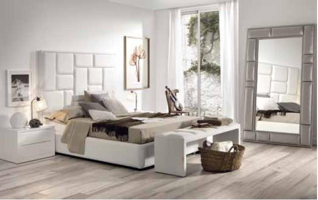 Mira espejos apoyados en el suelo for Espejo dormitorio