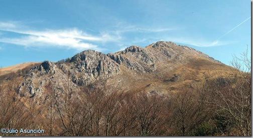 Pico Behorleguy desde el aparcadero - Baja Navarra
