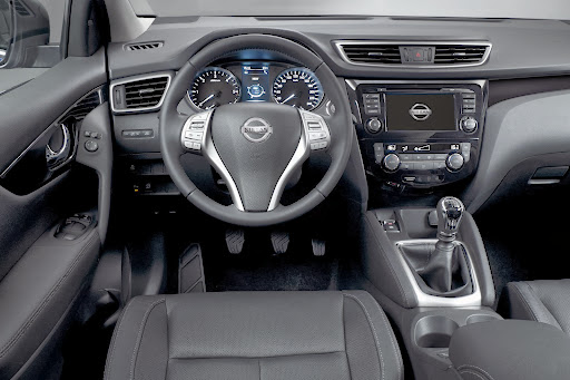 2014-Nissan-Qashqai-21.jpg