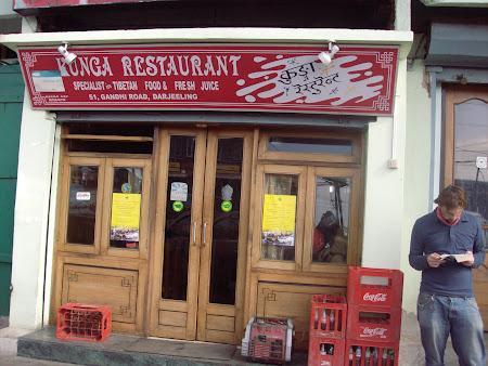 Mancare India: Superlativ gastronomic. Restaurant tibetan in Darjeeling