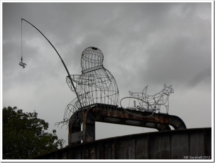 SAM_3065 Wire Sculpture on Naburn Bridge