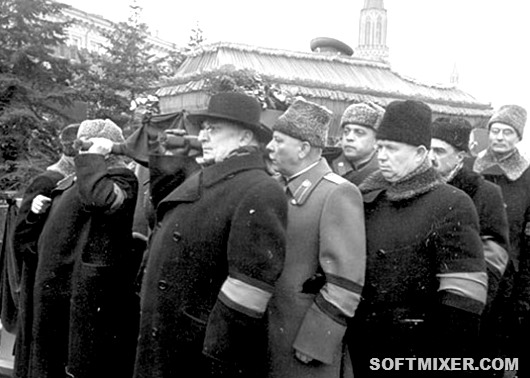 Stalin-funerale-545x372