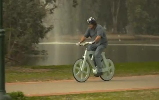 Bicicleta de papelão 08