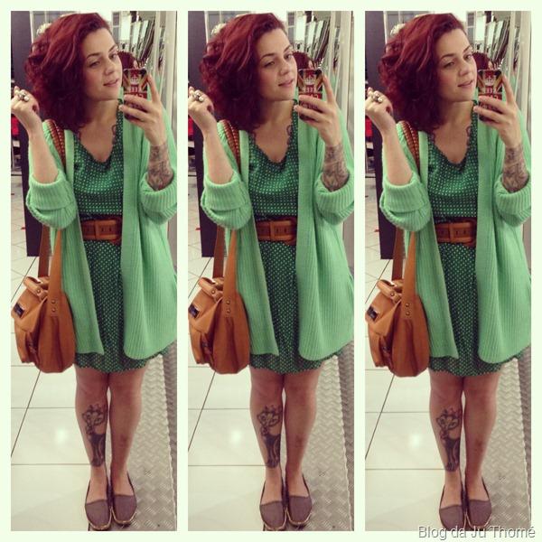look vestido verde de poá, maxi cardigã FARM, bolsa ELLUS e espadrilhe MIESKO