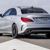 2014-Mercedes-CLA-33.jpg