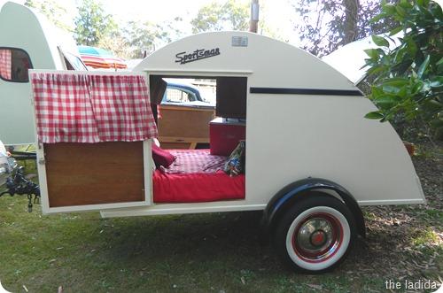 Vintage Cosy Caravan