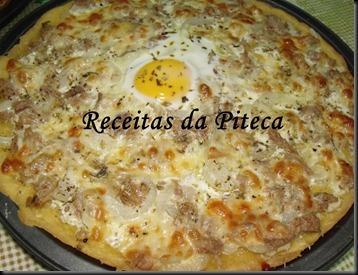 Pizza de atum e ovo