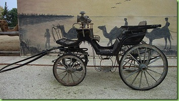 old-horse-carriage