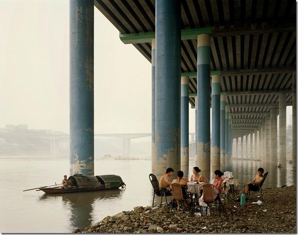 Nadav_Kander_Chongqing-IV-Sunday-Picnic-Chongqing-Municipality-20062