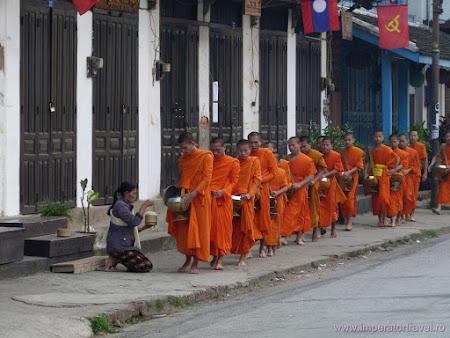 132. ceremonie calugari budisti.JPG