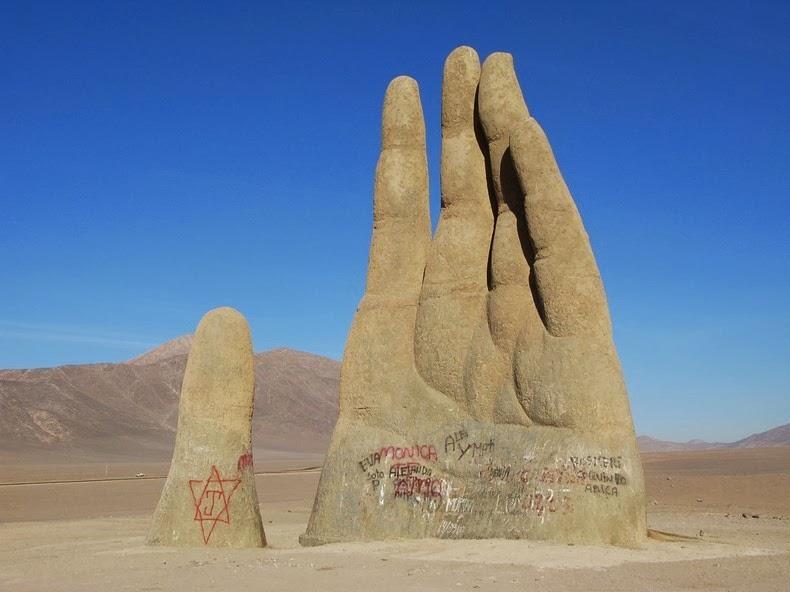 hand-of-atacama-2