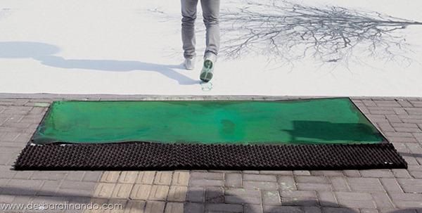 faixa-de-pedestre-china-footprints-leaves-pintando-com-os-pés (5)