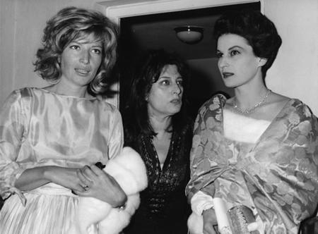 Anna Magnani (al centro), con Silvana Mangano, (a destra) e Monica Vitti (a sinistra), 26 maggio 1965