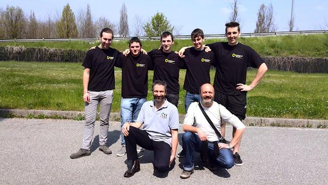 Parte della squadra Forward 2015 (mancano Paola Bosco e Franco Zanin) con Luca Carlin e Gabriele Maurina (Forward 2012-2014) Giudici in questa competizione