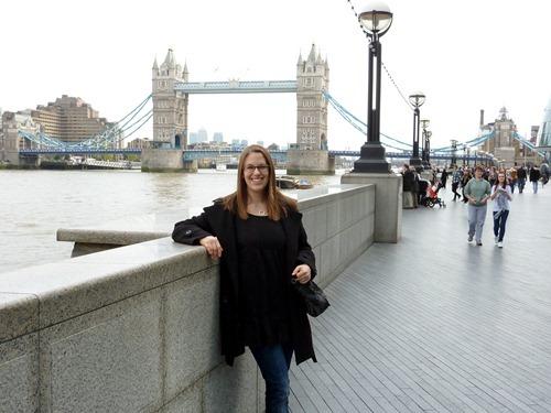 Promenad jäms med Themsen