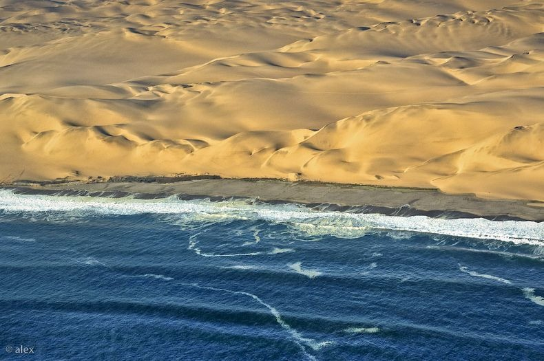 namib-desert-meets-sea-10