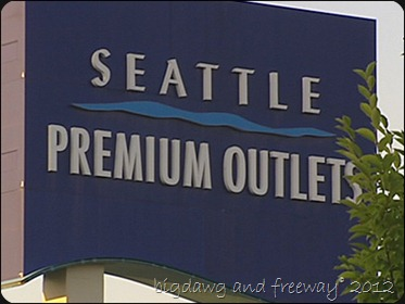 110811_seattle_outlet