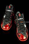 nike lebron 11 gr black red 1 07 New Photos // Nike LeBron XI Miami Heat (616175 001)