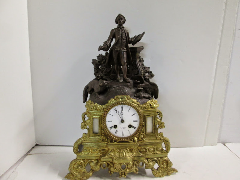 Neoclassical Mantle Clock